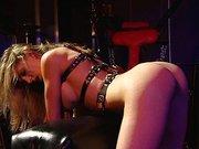 BDSM Lesben im Fetisch Keller