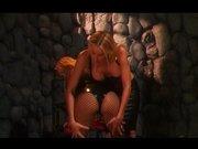 Blonde Domina zeigt geile Fesselspiele